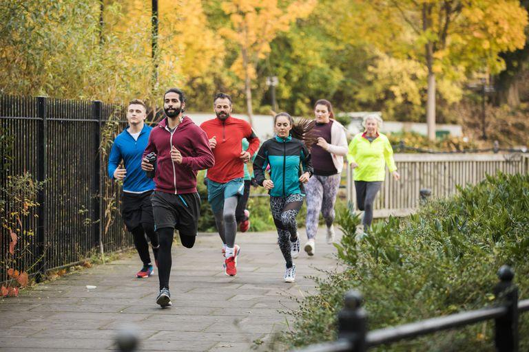Chạy bộ liên tục mỗi ngày - Nên hay không nên