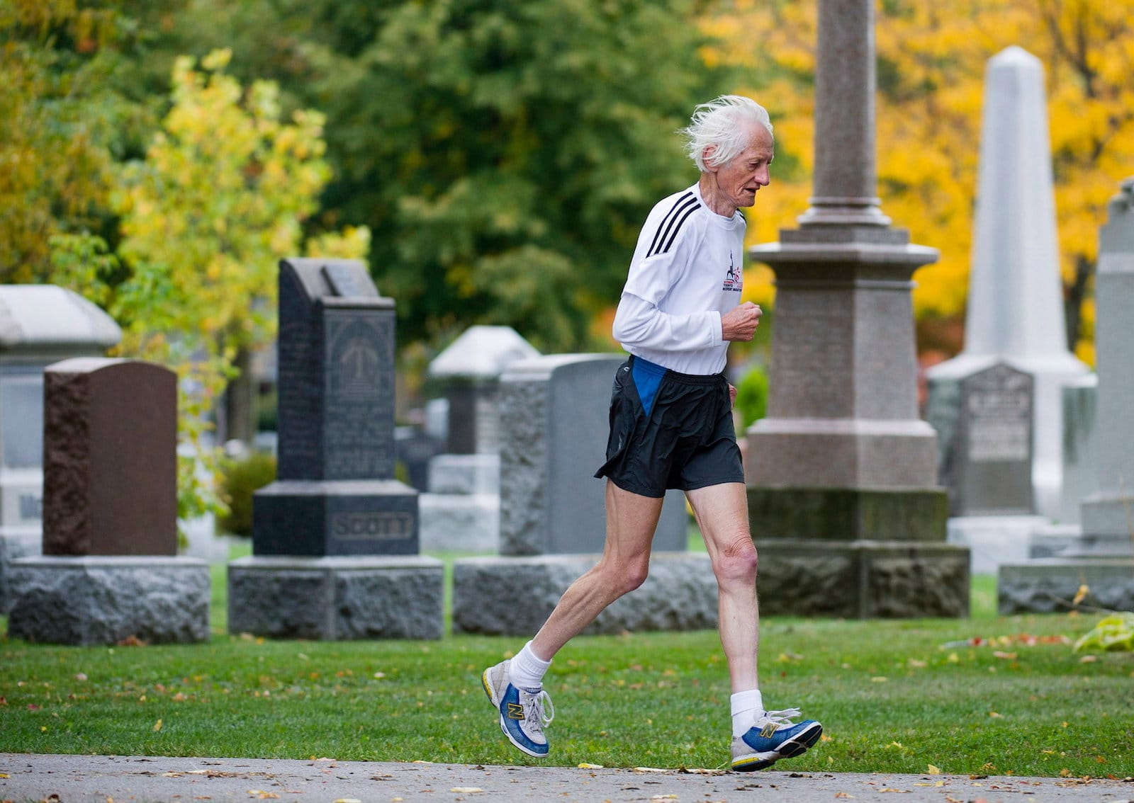 runner, 84race, chạy bộ, marathon, cụ già chạy bộ