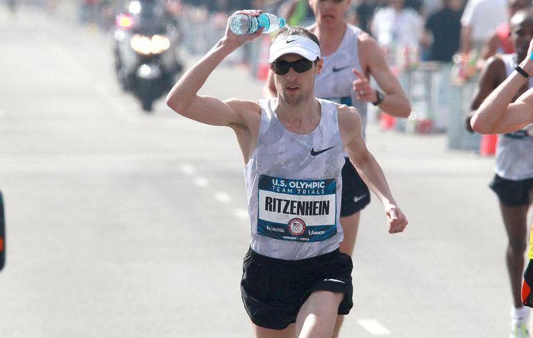 run, runner, running, chạy, chạy bộ, 84RACE, thử thách, thể thao, nắng, nắng nóng, giải nhiệt, sốc nhiệt, đổ nước, đổ nước lên đầu, marathon